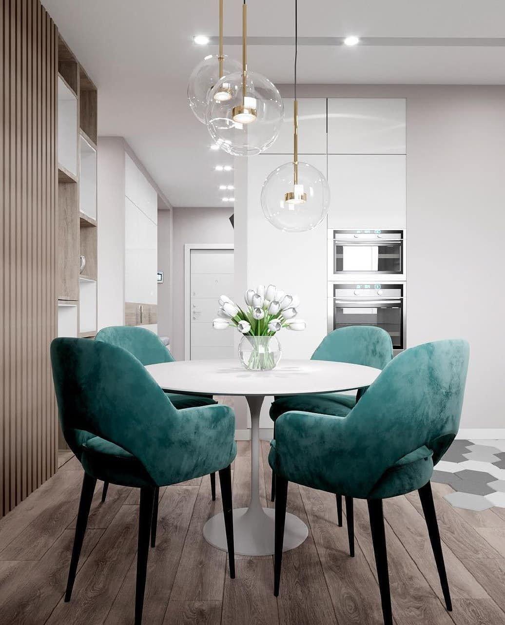 Обеденные стулья — с подлокотниками или без? Что выбрать?