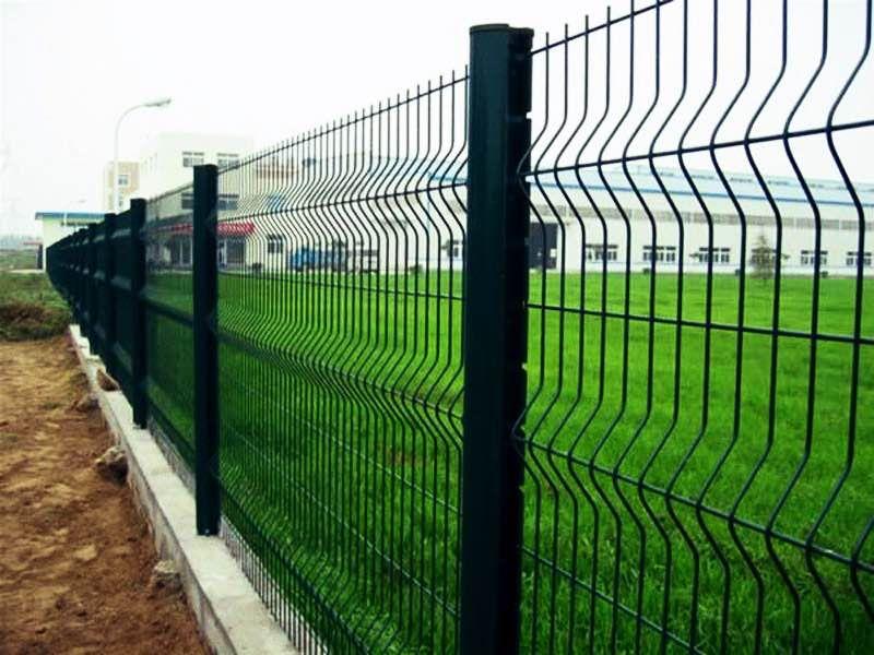 Металлический забор и его виды